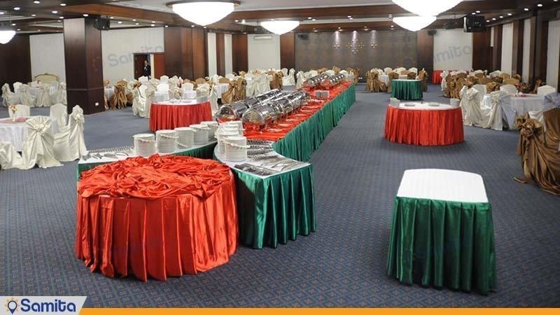 سالن پذیرایی گلزار هتل لاله تهران