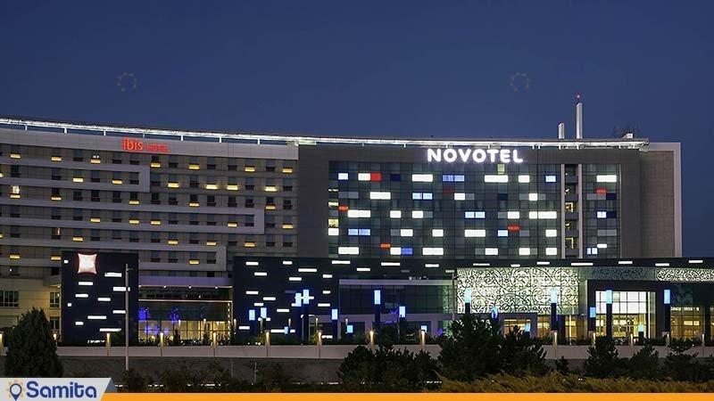 نمای ساختمان هتل نووتل