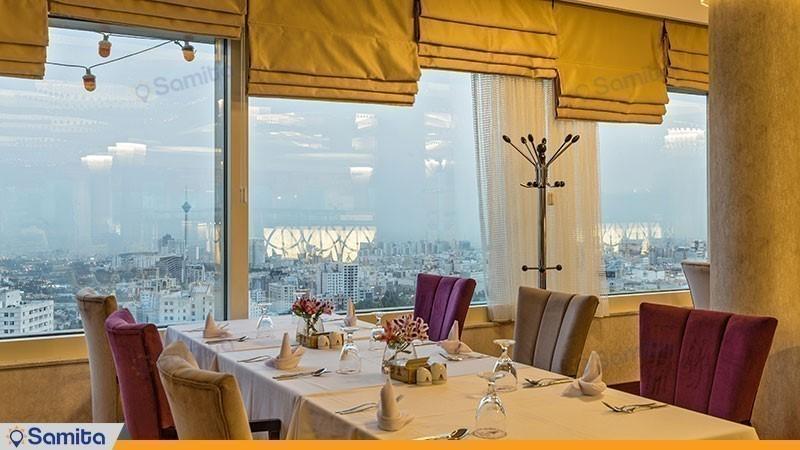 چشم انداز رستوران هتل پارسیان آزادی تهران