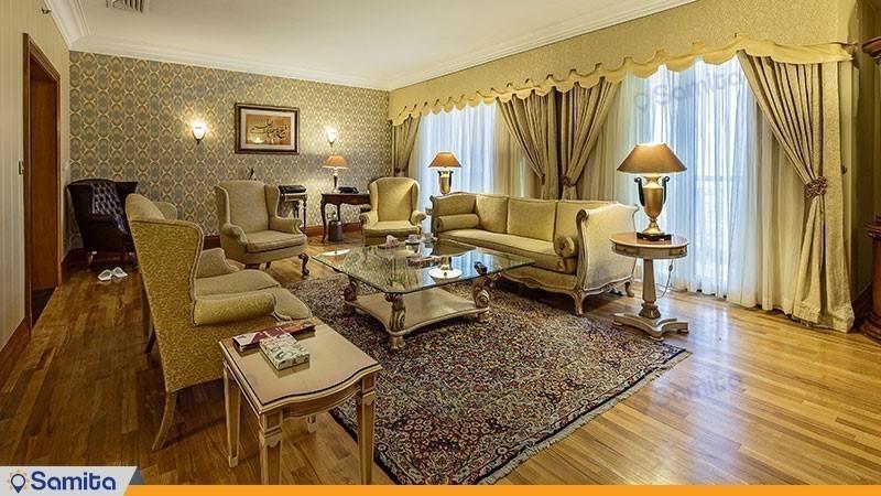 سوئیت رویال شرقی هتل پارسیان استقلال
