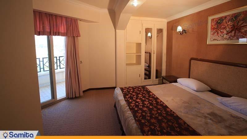 اتاق دبل رو به دشت هتل پارسیان آزادی یاسوج