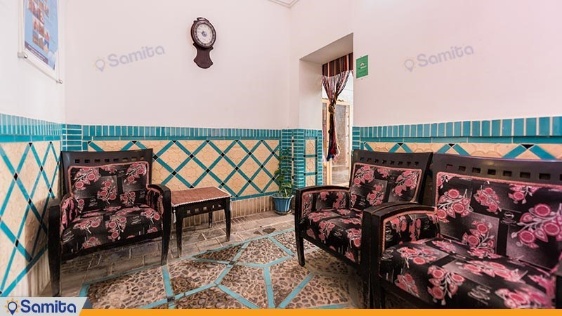 لابی هتل سنتی لب خندق