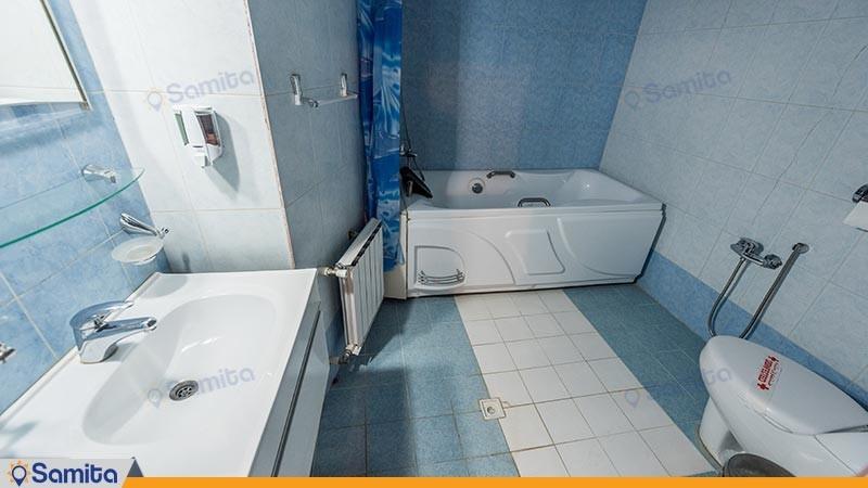 سرویس بهداشتی هتل سنتی لب خندق
