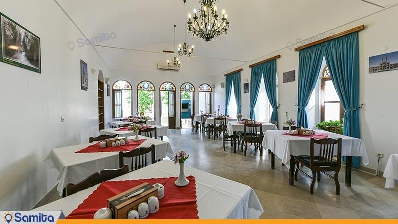 رستوران هتل سنتی لاله