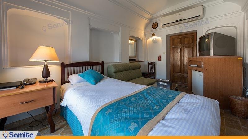 اتاق یک تخته هتل سنتی لاله
