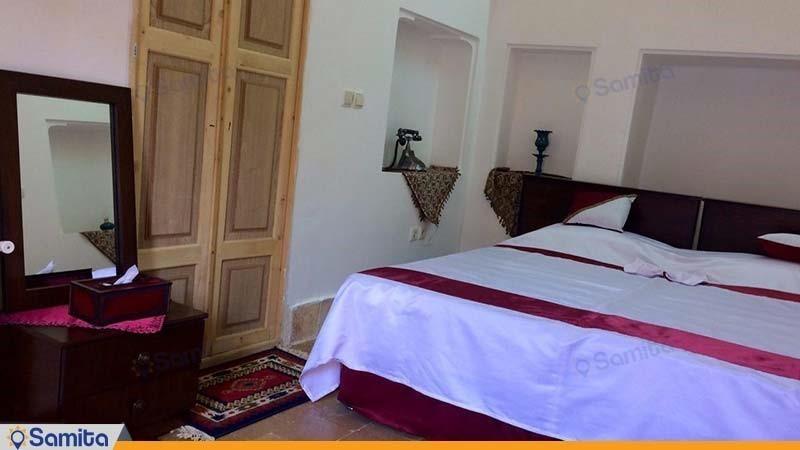 اتاق بنفشه سرای سنتی شعرباف