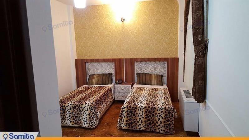 اتاق دو تخته برای یک نفر هتل امین زاهدان