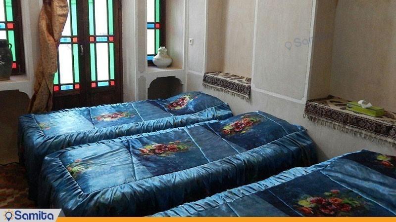 اتاق سه تخته اقامتگاه بومگردی نقشینه کویر