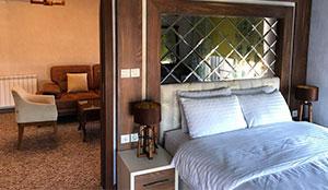 سوئیت دو خوابه چهار تخته رویال رو به محوطه