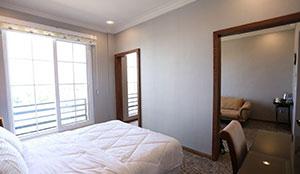 سوئیت یک خوابه دو تخته جونیور رو به محوطه