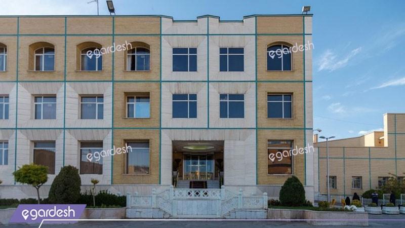 نمای ساختمان هتل قصرالضیافه