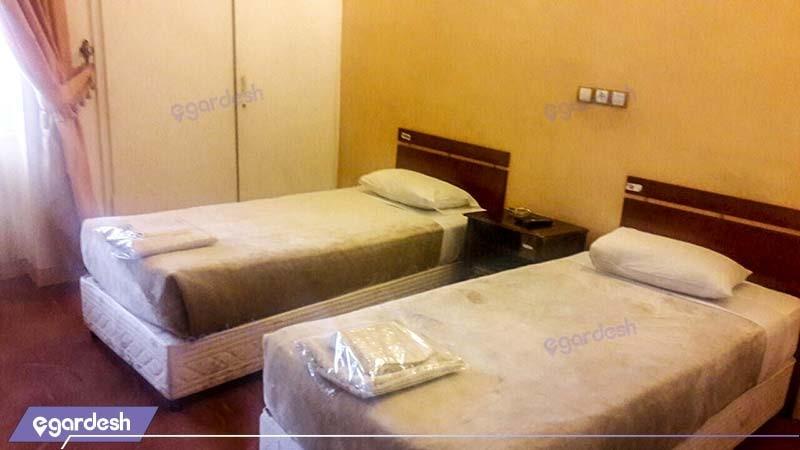 اتاق دو تخته مهمانسرا جهانگردی اردستان