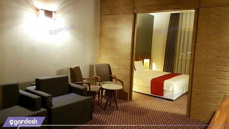اتاق دبل پارتیشن دار هتل میزبان