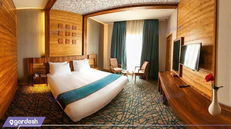 اتاق دبل کینگ تراس دار هتل میزبان