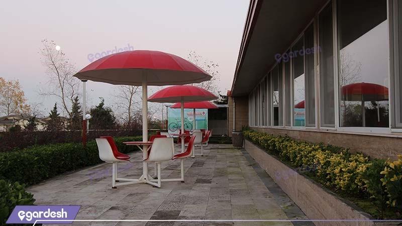 محوطه نشیمن فضای باز هتل جهانگردی نمونه