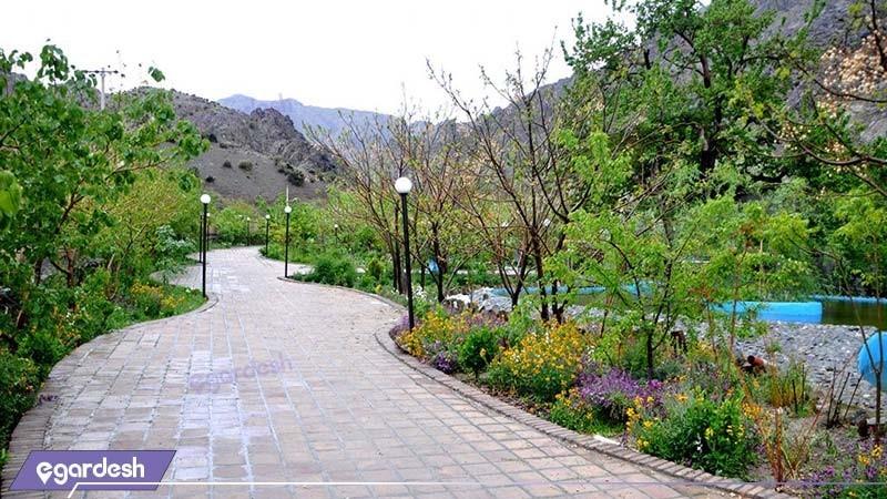 فضای سبز هتل بزرگ کوهستان