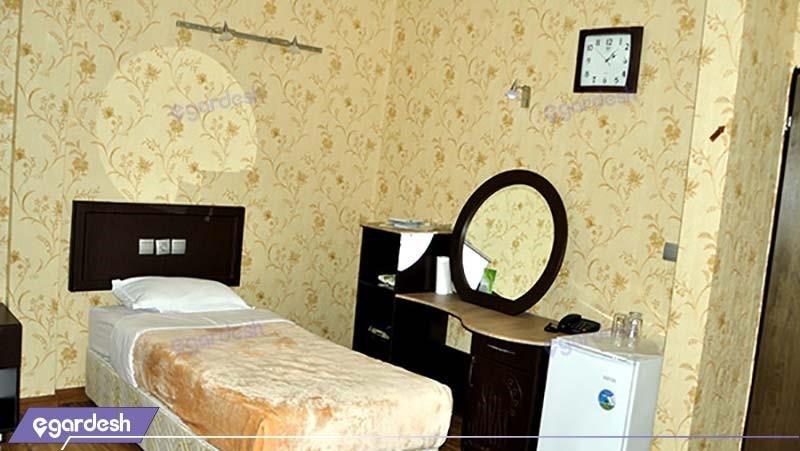 اتاق یکنفره هتل بزرگ کوهستان