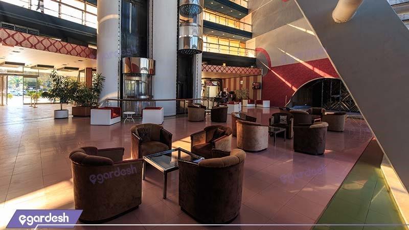لابی هتل پارسیان آزادی خزر