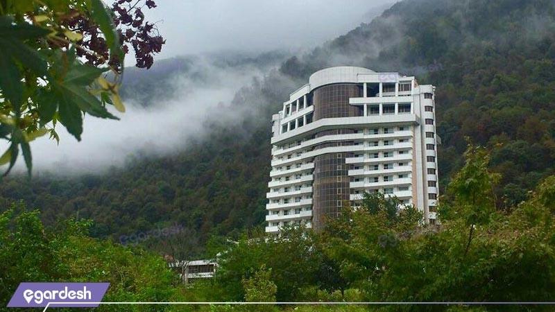 نمای ساختمان هتل ونوس پلاس