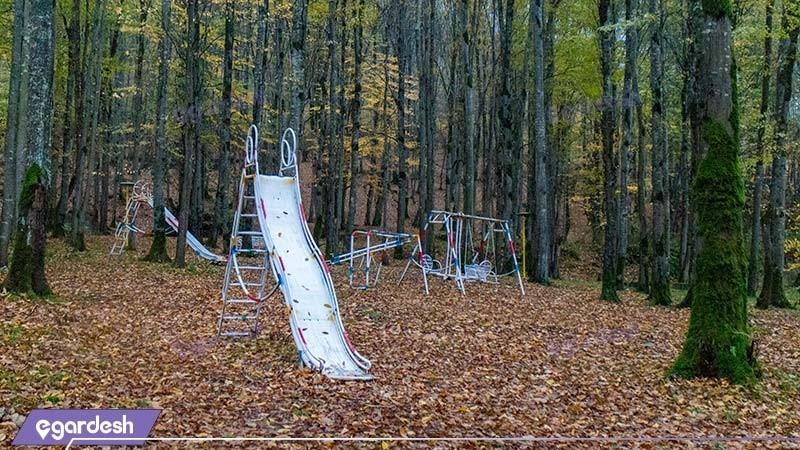 زمین بازی کودکان مجتمع جهانگردی چالوس