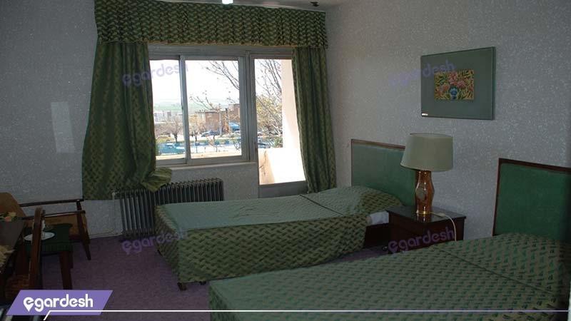 اتاق توئین هتل جهانگردی داران