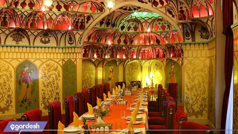 تالار عالی قاپور هتل عباسی