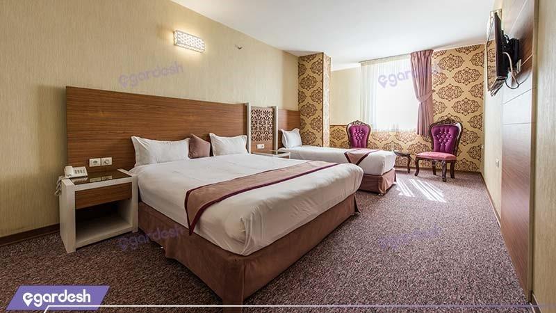 اتاق سه نفره طلایی هتل آوین