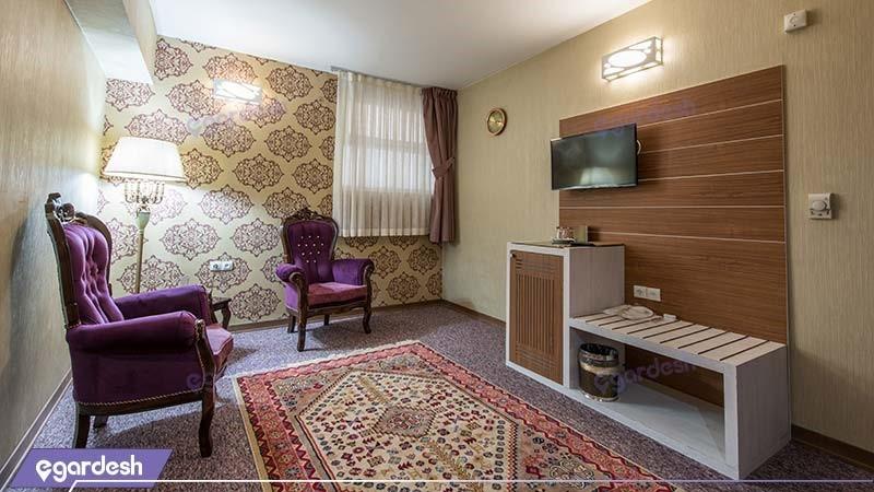 سوئیت دبل نقره ای هتل آوین