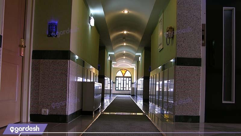 راهرو هتل آزادی