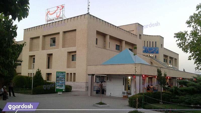 نمای ساختمان هتل همام