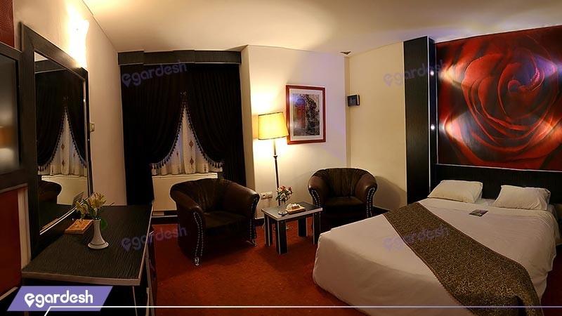 اتاق دو تخته دبل هتل پارسیان عالی قاپو