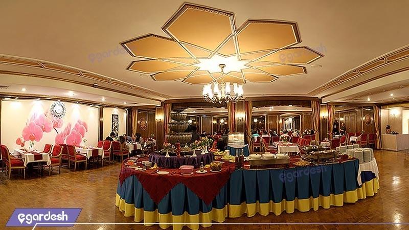 رستوران هتل پارسیان عالی قاپو