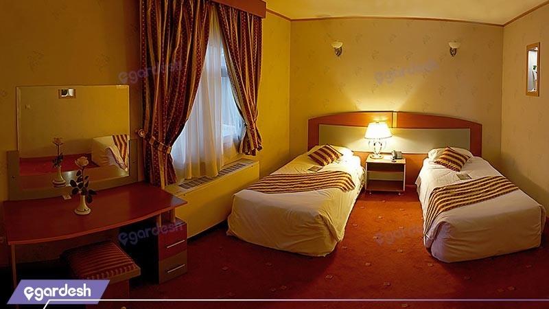 اتاق دو تخته توئین هتل پارسیان عالی قاپور