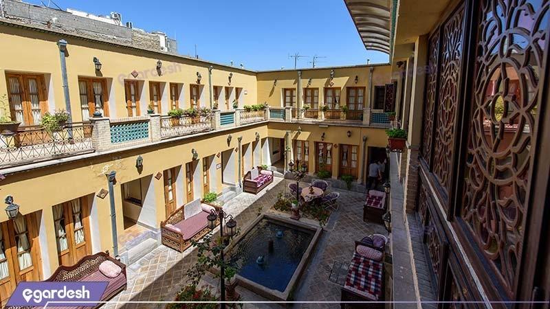 نمای ساختمان هتل سنتی طلوع خورشید