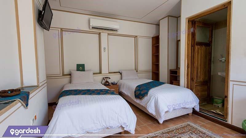اتاق دو نفره هتل سنتی طلوع خورشید