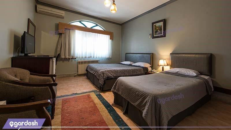 اتاق سه نفره هتل توریست