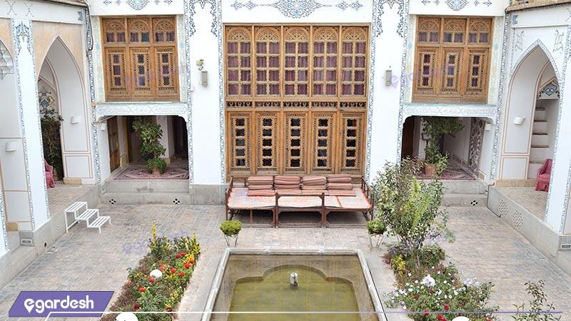 نمای ساختمان هتل سنتی