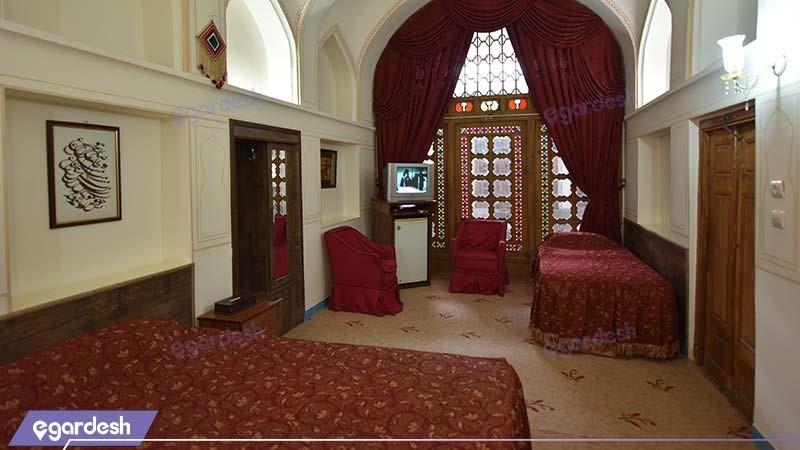 اتاق سه تخته هتل سنتی