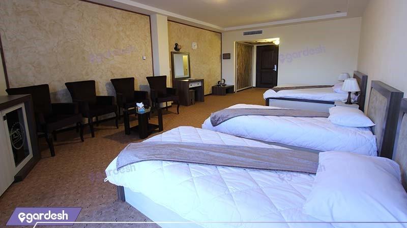 اتاق چهار نفره vip هتل مزرعه معین