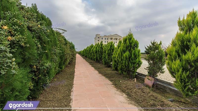 محوطه هتل قصر بوتانیک