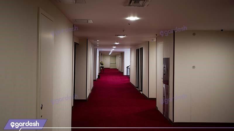 راهرو هتل قصر بوتانیک
