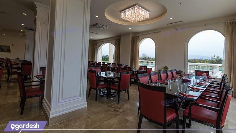 رستوران هتل قصر بوتانیک