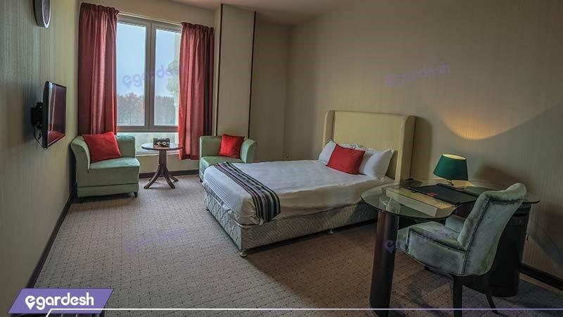 اتاق یکنفره هتل قصر بوتانیک