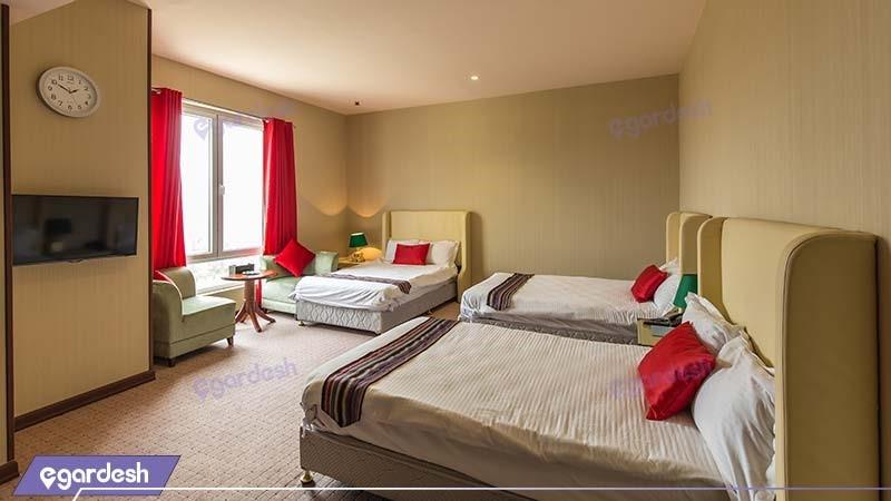 اتاق سه نفره هتل قصر بوتانیک