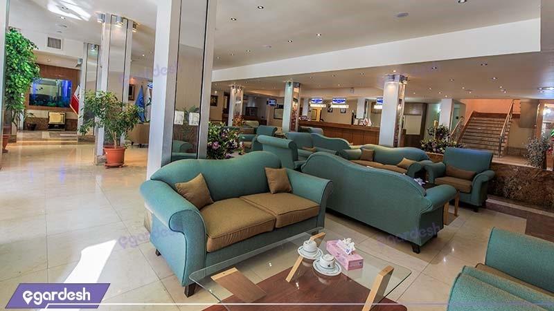 لابی هتل جهانگردی ناهار خوران