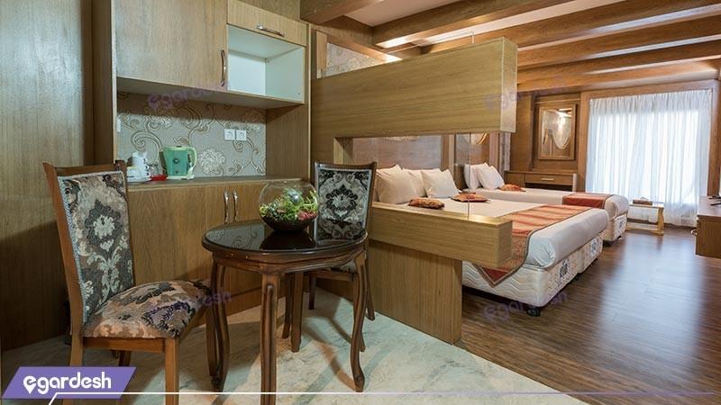 اتاق سه تخته هتل بین المللی بابا طاهر