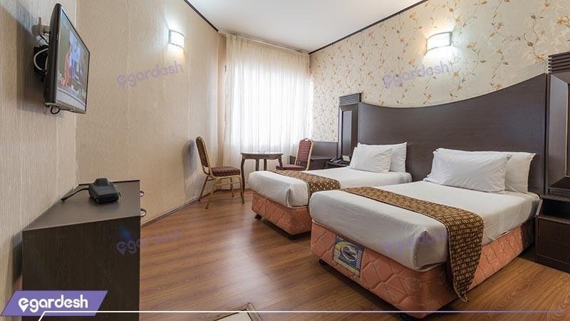 اتاق دو تخته توئین هتل بین المللی بابا طاهر