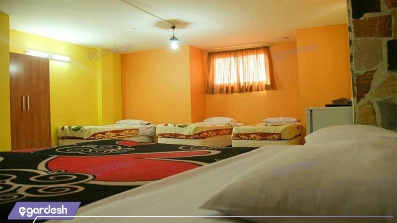 اتاق چهار تخته هتل سنتی ابن سینا