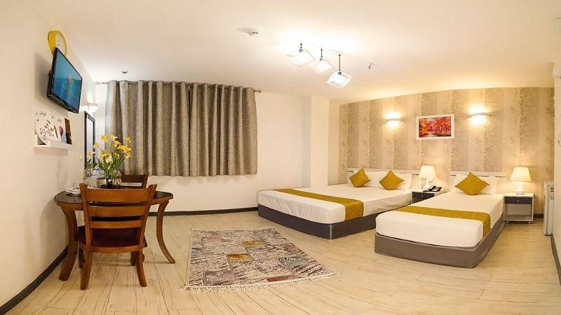 اتاق سه تخته هتل آفتاب 2
