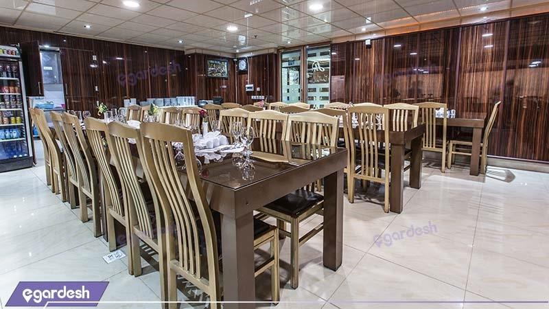 رستوران هتل جهانگردی ماهان